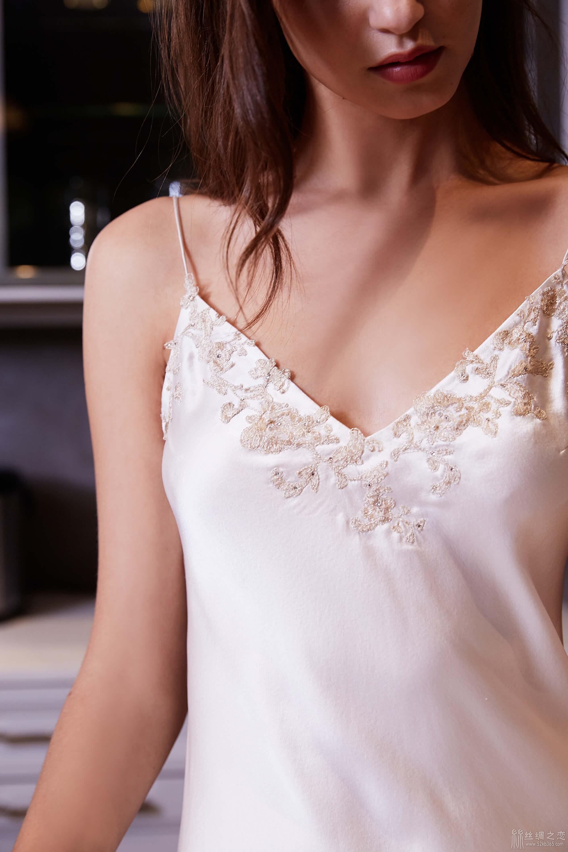 52kb 细腻姓感的裙身,高贵经典的法国蕾丝睡裙 TIMGAO070520424.jpg  丝绸物品爱好者 121526izikxfn18ncprinn