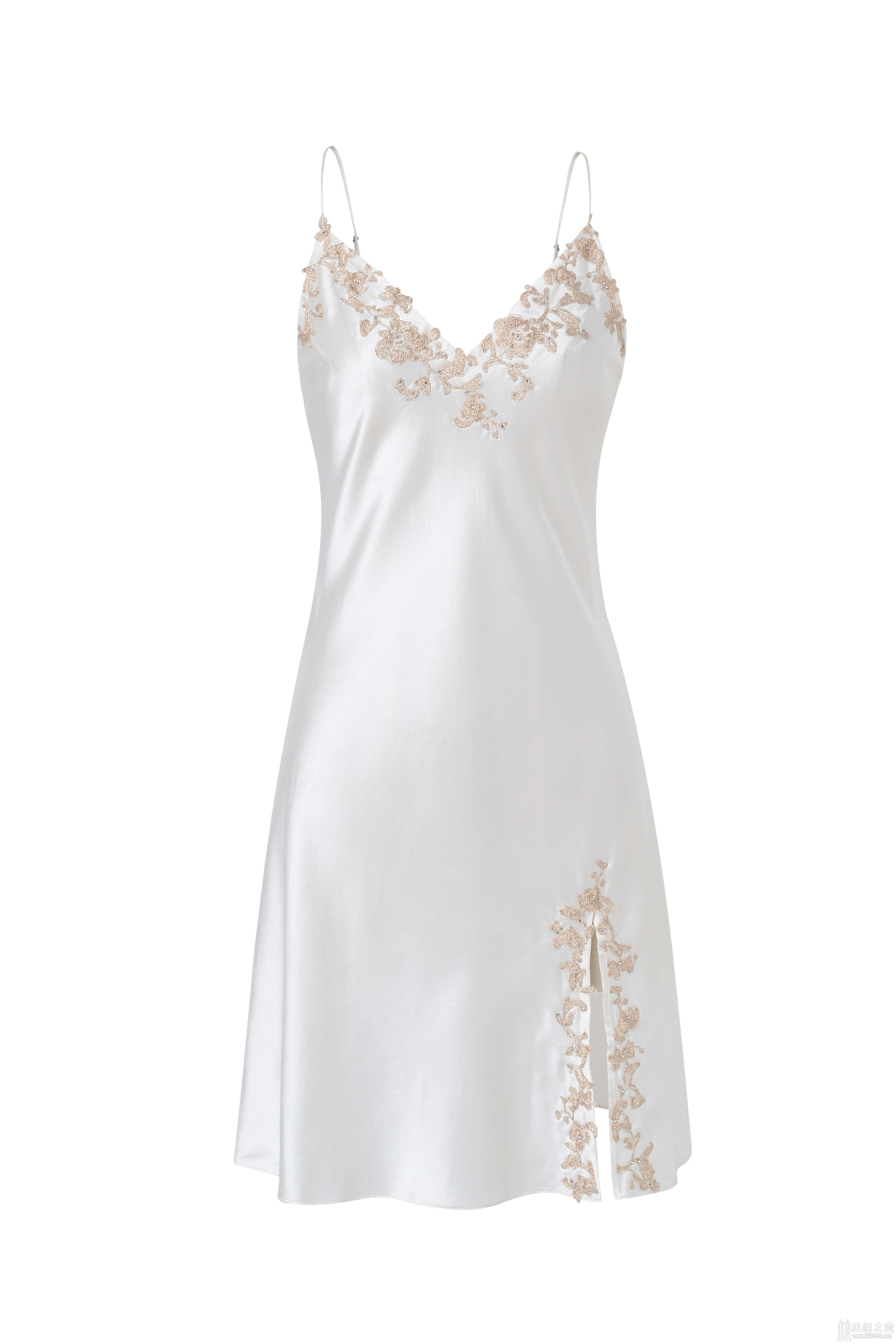 52kb 细腻姓感的裙身,高贵经典的法国蕾丝睡裙 AGU_8479.jpg  丝绸物品爱好者 121528fh556w559rrz59zp