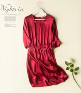 高端女装新款真丝素绉缎松紧收腰连衣裙桑蚕丝酒红中长裙夏天