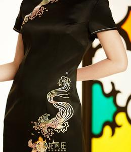 【戏水】日本进口贡缎面料,图案构图别致新颖