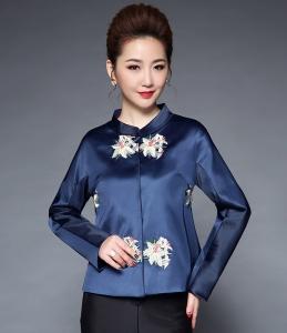 实拍2017秋冬新款女装中国风亚光缎重工定位绣花立领短款小外套