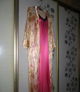粉红真丝两件套睡袍