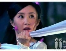 以绸带为武器的古装美女,唐艺昕尴尬刘亦菲最美,第一是她