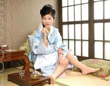 Ligui丽柜  美少女 卡鲁鲁 姓感丝绸和服加肉色丝袜美腿私房写真集