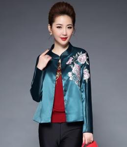 2017秋装新款女装中国风亚光缎重工花朵绣花立领短款小外套