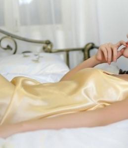 睡衣迷人美少妇气质居家妩媚风情私房写真图片
