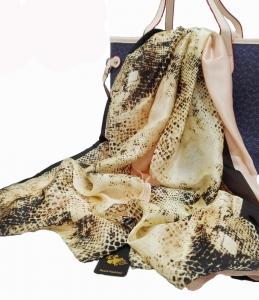 亚马逊热销售欧美经典蛇纹印花丝巾 时尚长款披肩丝巾两用批发